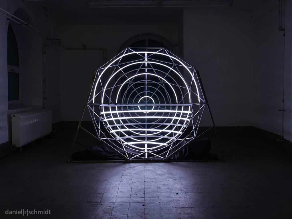 """Installation """"Helios"""" im Atelier Frankfurt"""